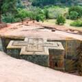 【基礎編】エチオピアの神聖な岩窟教会群と部族の村へ